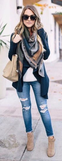Fashionable scarves for winter outfits 66