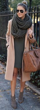 Fashionable scarves for winter outfits 7