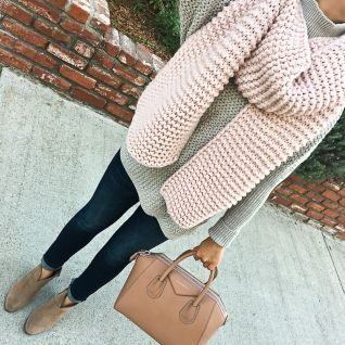 Fashionable scarves for winter outfits 83