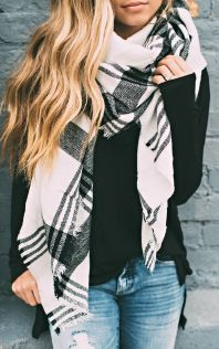 Fashionable scarves for winter outfits 90