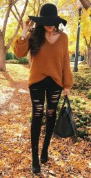 Fashionable women hats for winter and snow outfits 27