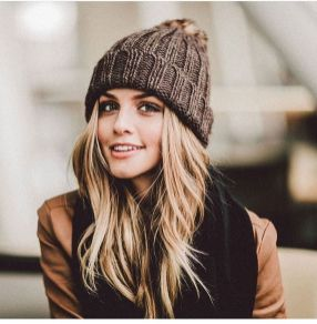Fashionable women hats for winter and snow outfits 28
