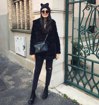 Fashionable women hats for winter and snow outfits 45