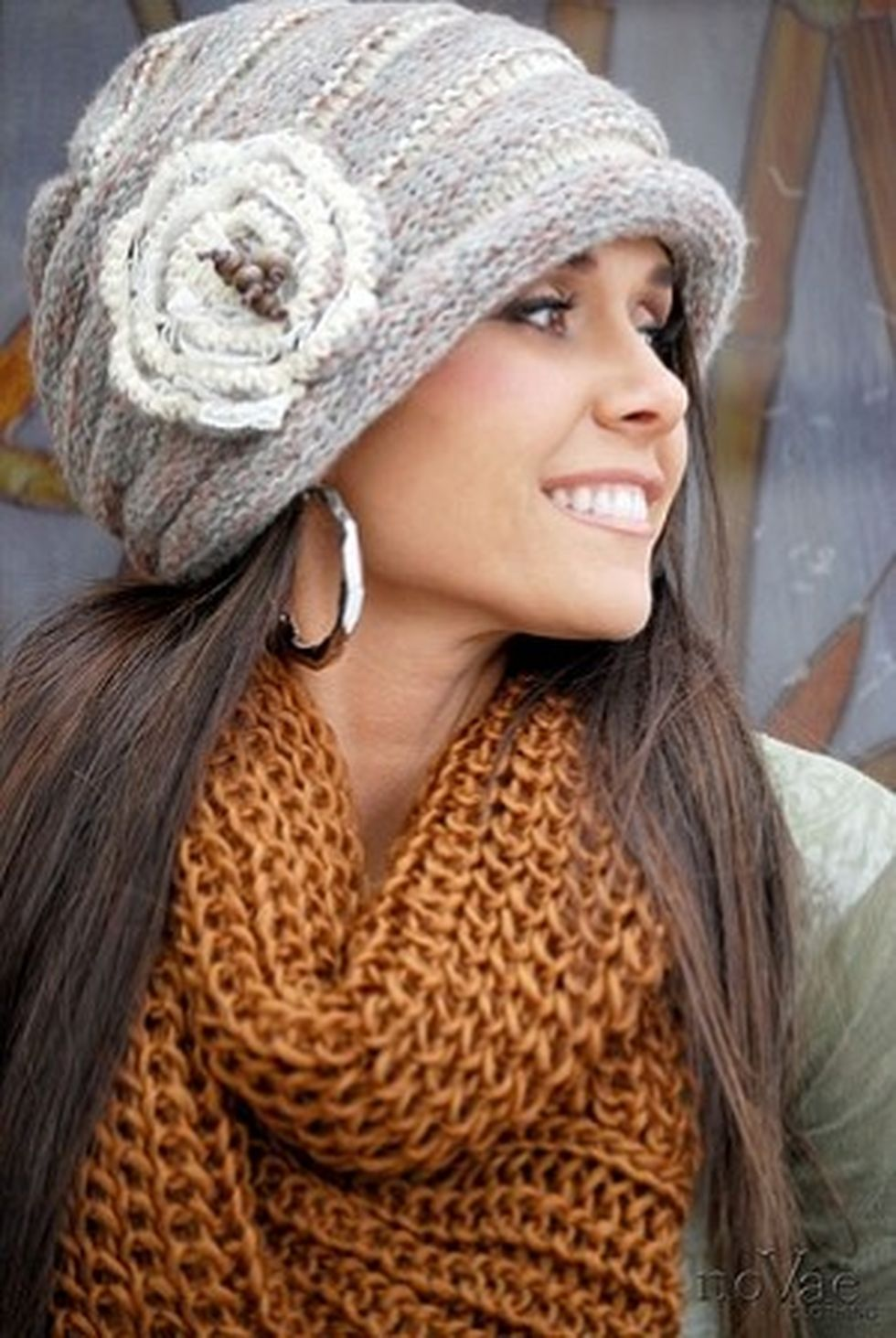Fashionable women hats for winter and snow outfits 5