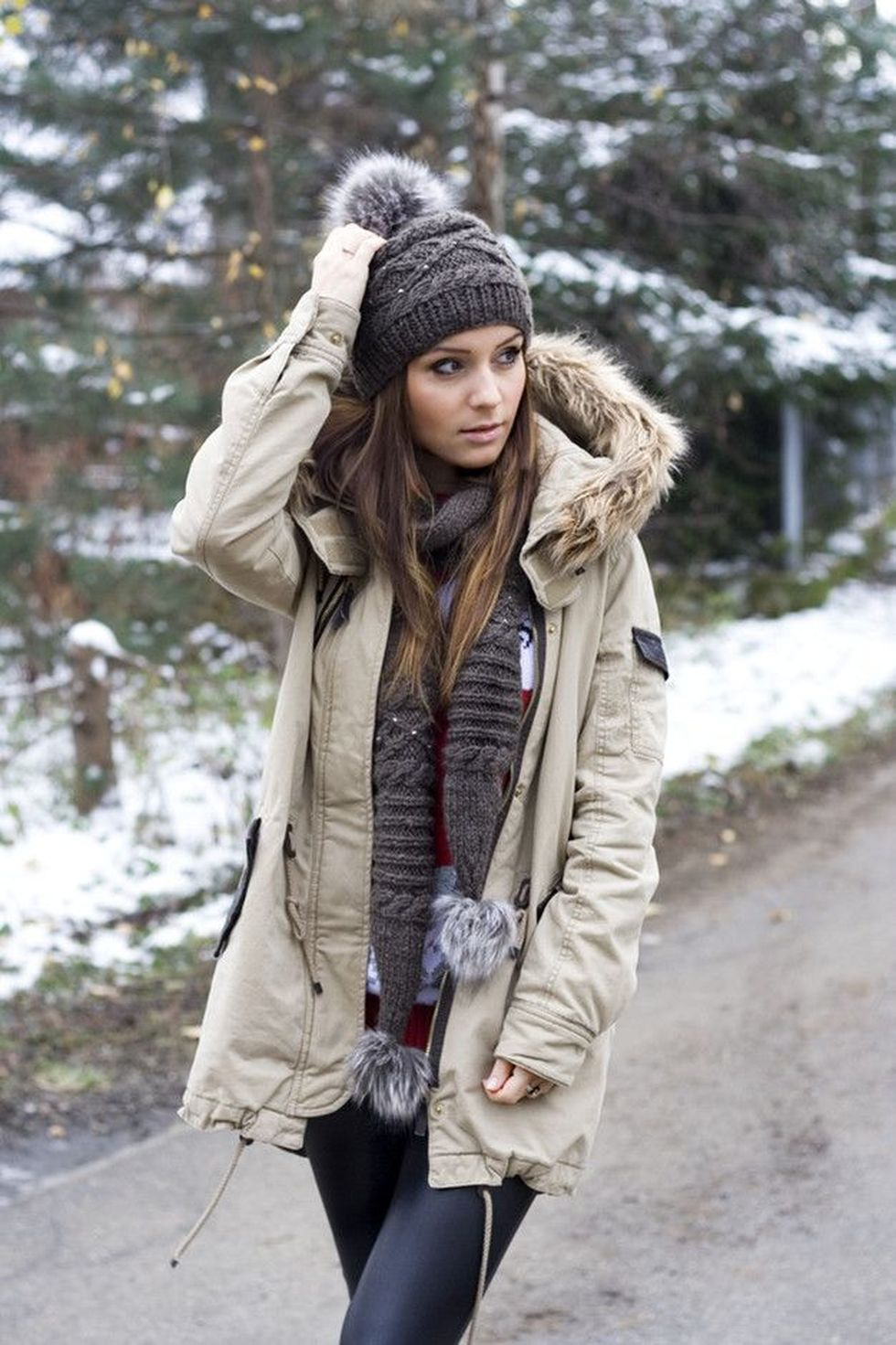 Fashionable women hats for winter and snow outfits 54