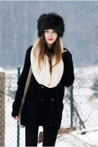 Fashionable women hats for winter and snow outfits 61