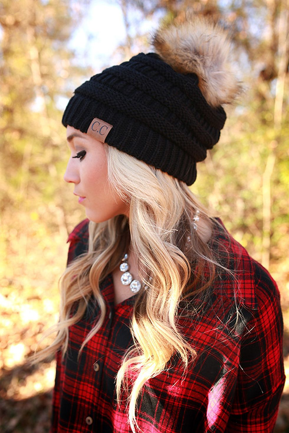 Fashionable women hats for winter and snow outfits 9