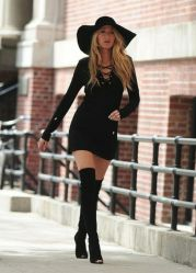 Fashionable women snow outfits for this winter 13