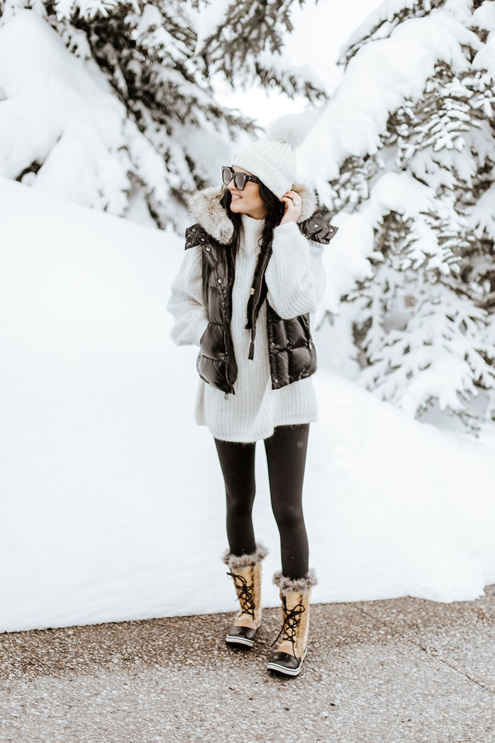 Fashionable women snow outfits for this winter 23