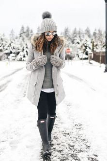 Fashionable women snow outfits for this winter 25