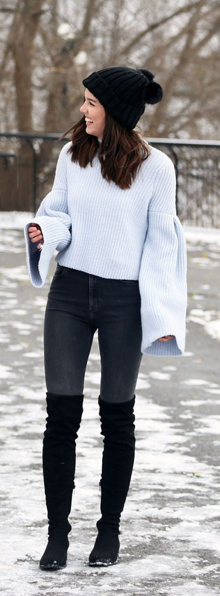Fashionable women snow outfits for this winter 40