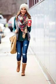 Fashionable women snow outfits for this winter 43