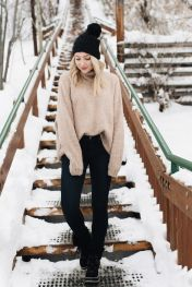 Fashionable women snow outfits for this winter 58