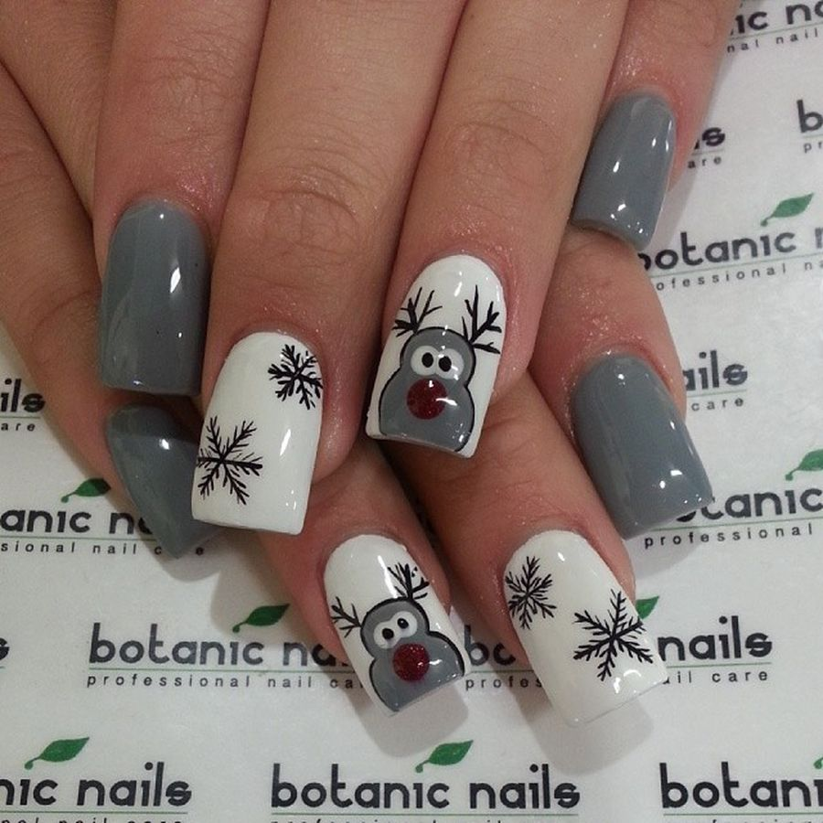 Gorgeous christmas nails ideas 10