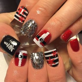 Gorgeous christmas nails ideas 110