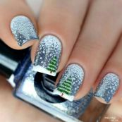 Gorgeous christmas nails ideas 18