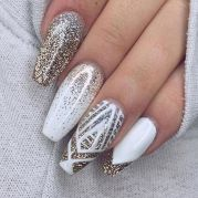 Gorgeous christmas nails ideas 22
