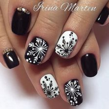 Gorgeous christmas nails ideas 3