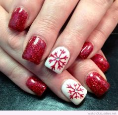 Gorgeous christmas nails ideas 44