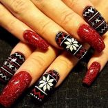 Gorgeous christmas nails ideas 75
