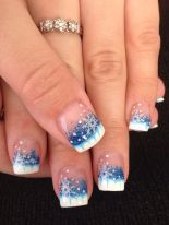Gorgeous christmas nails ideas 86