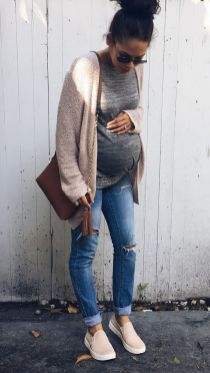 Maternity fashions outfits for fall and winter 42