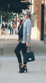 Maternity fashions outfits for fall and winter 47