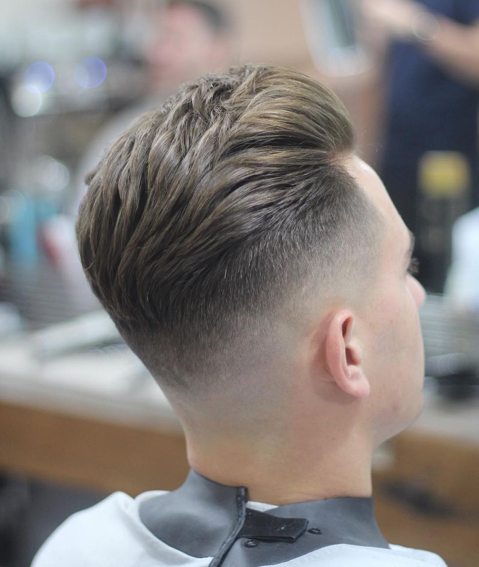 Men classy modern pompadour hairstyle 26