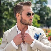 Men classy modern pompadour hairstyle 42