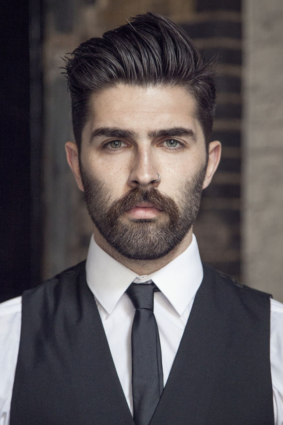 Men classy modern pompadour hairstyle 6