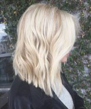 Stylish blonde lobs haircut ideas 51