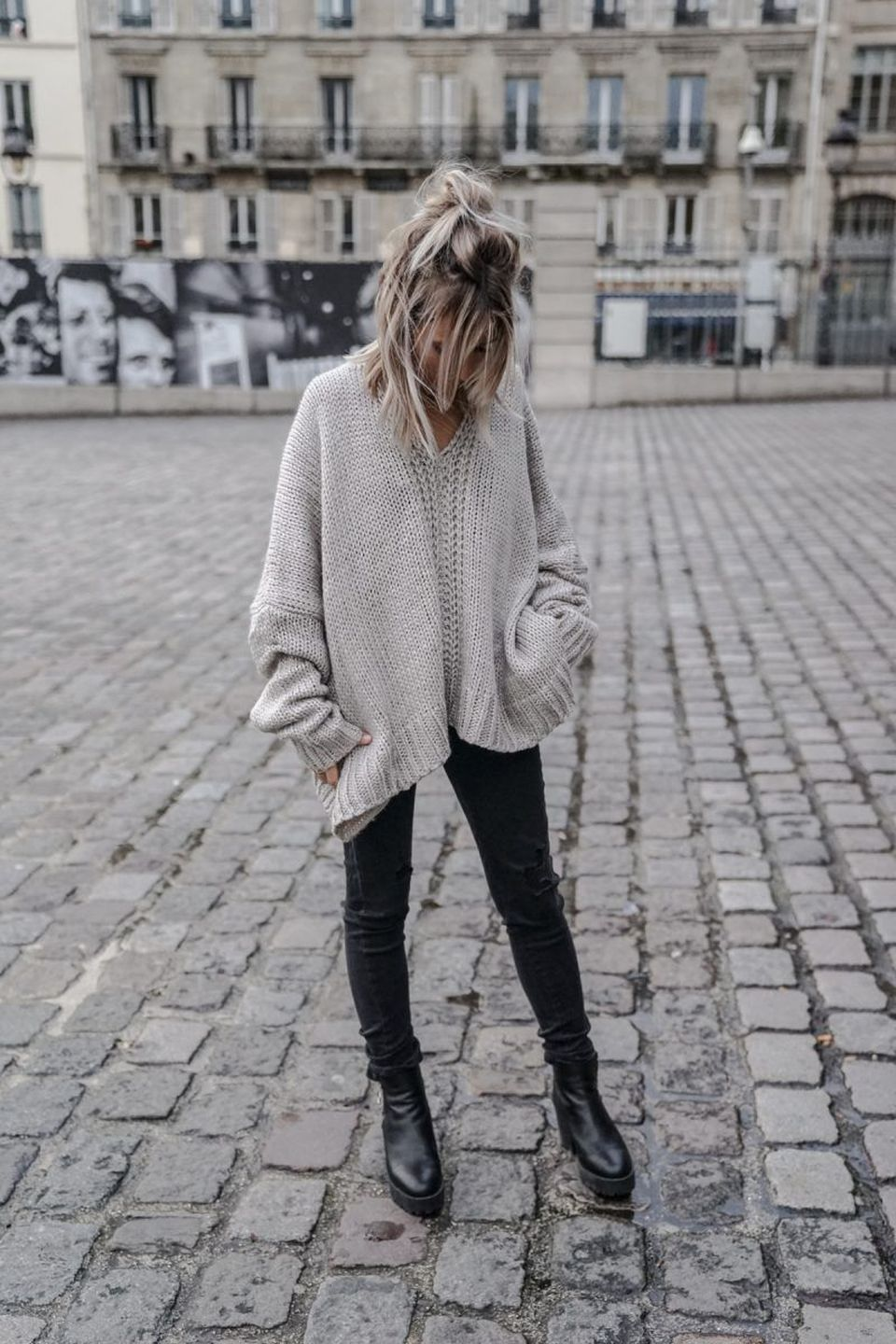 Fashionable oversized sweater for winter outfit 10