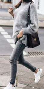 Fashionable oversized sweater for winter outfit 38