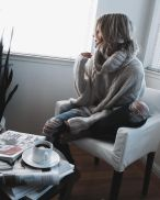 Fashionable oversized sweater for winter outfit 54