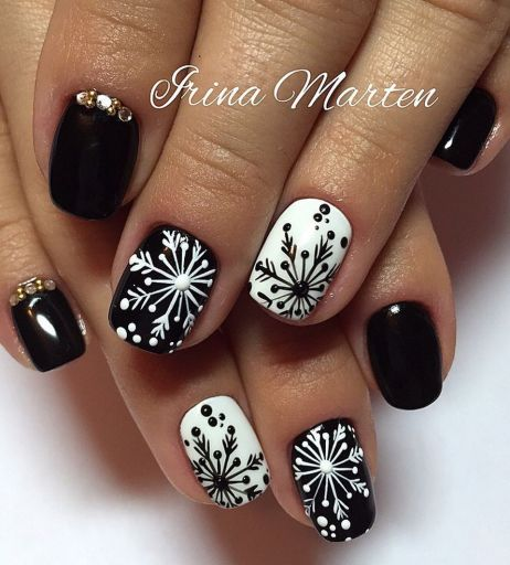 Pretty winter nails art design inspirations 13