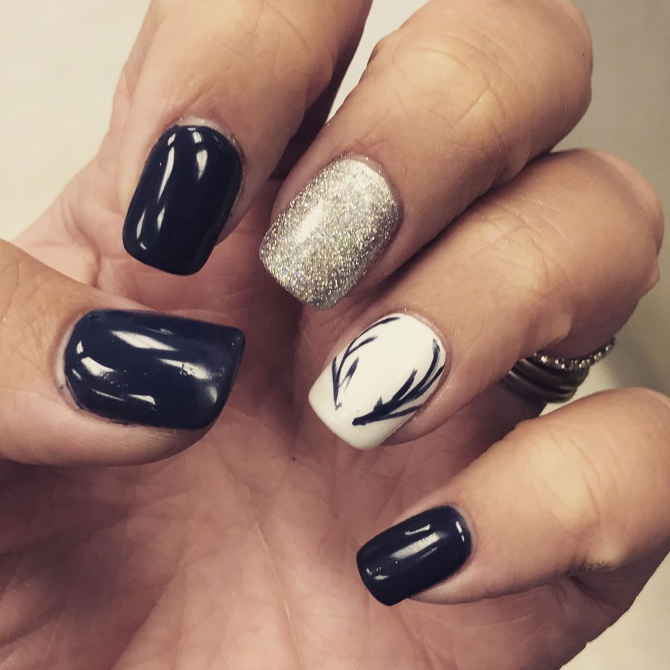 Pretty winter nails art design inspirations 39