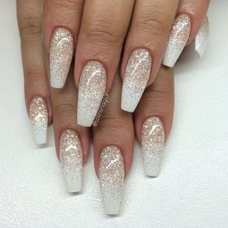 Sweet acrylic nails ideas for winter 10