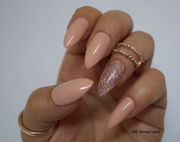 Sweet acrylic nails ideas for winter 106