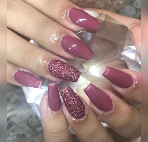 Sweet acrylic nails ideas for winter 18