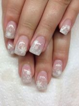Sweet acrylic nails ideas for winter 37