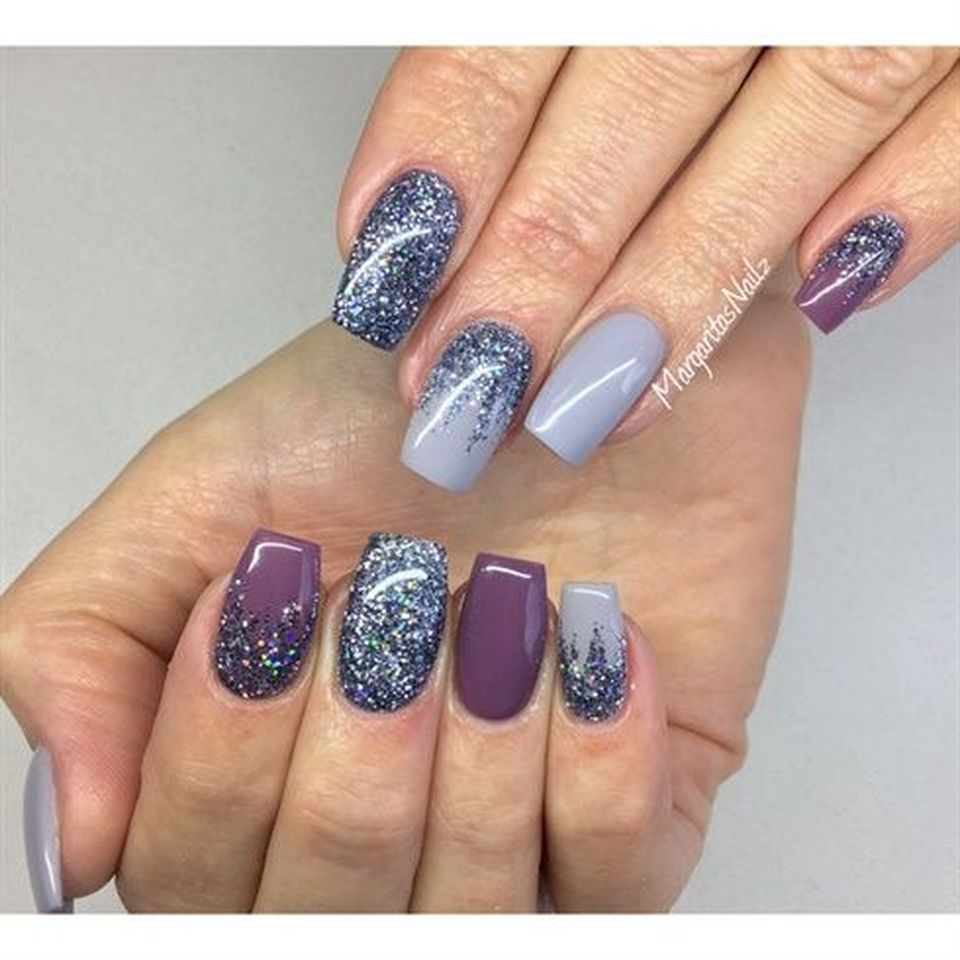 Sweet acrylic nails ideas for winter 81