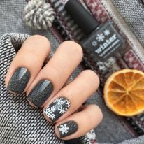 Sweet acrylic nails ideas for winter 85