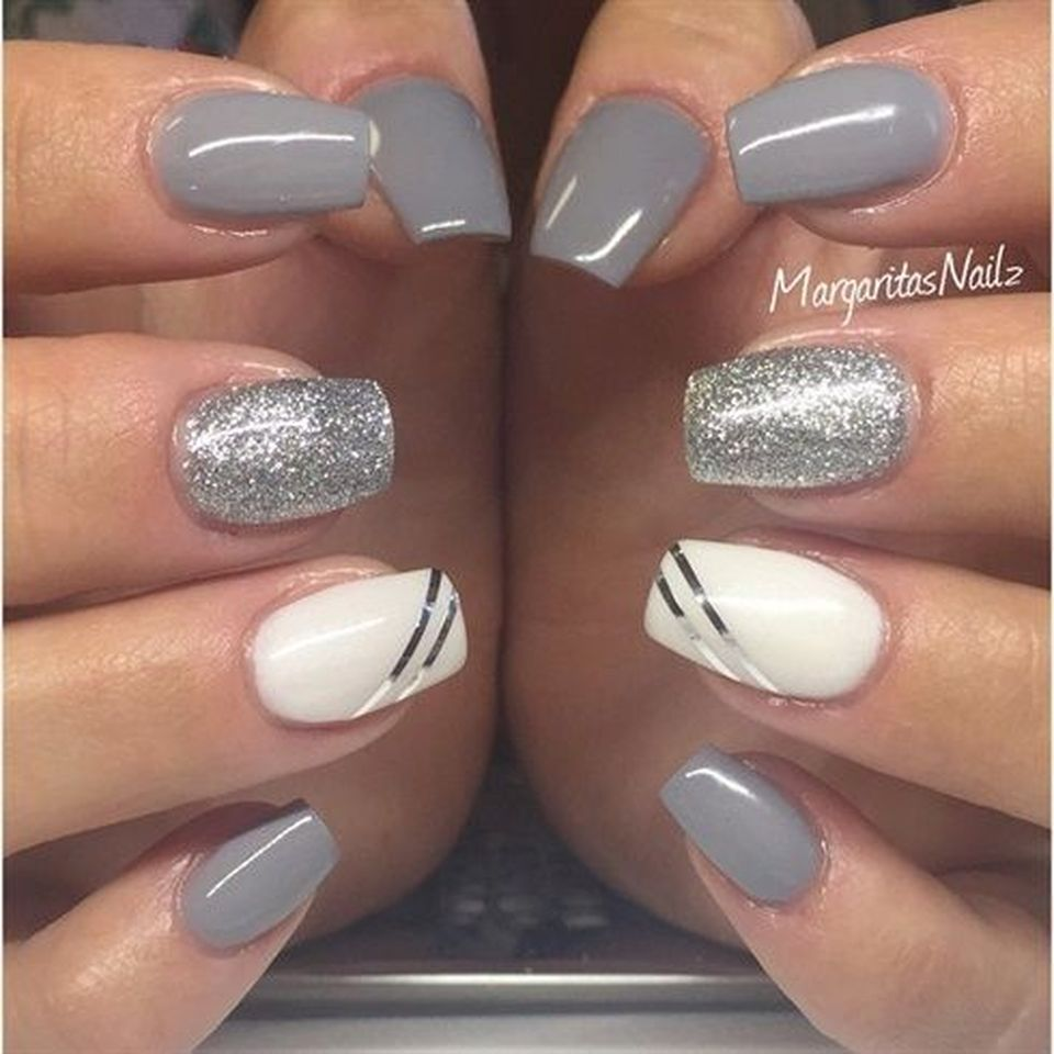 Sweet acrylic nails ideas for winter 98