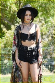 Best boho dress ideas for coachella outfits 33