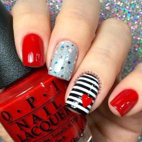Lovely valentine nails design ideas 17