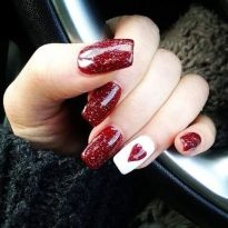 Lovely valentine nails design ideas 24