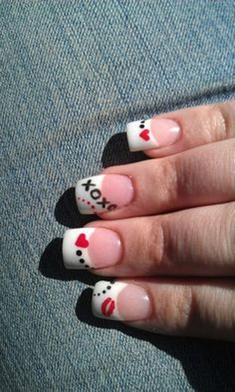 Lovely valentine nails design ideas 37