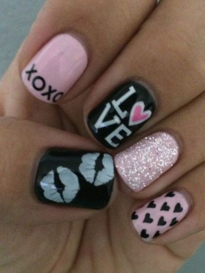 Lovely valentine nails design ideas 43