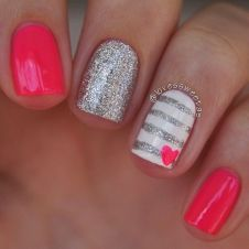 Lovely valentine nails design ideas 81