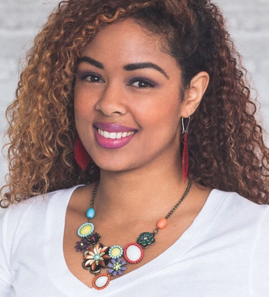 Beautiful Plunder Necklace Ideas for Summers 25